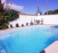 Rustic holiday home with private swimming pool in rural Vilacolum, 5 km from the sea 2