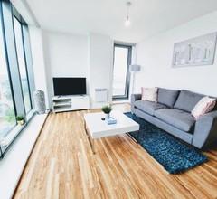 Media City Salford Quays Apartments 2