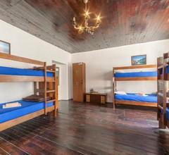 Montenegro Hostel 4U Party 2
