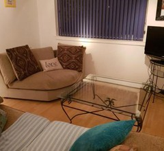 3 bedroomed flat, sleeps 7, central Scotland 1