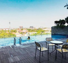 Elegant Studio Apartment at Tamansari Papilio By Travelio 2