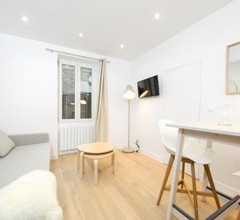 studio at 15 min from the Elysée fields in Paris 1