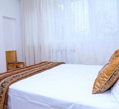 Sunny apartment on Sayat-Nova Avenue & Tours 1