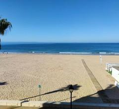 Primera línea de playa. Zona playa Costilla. Rota 2