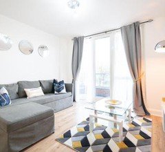 Modern Luxurious Apartment- Birmingham- Broad Street & Brindley Place- 10 min walk from Bullring, 02 Arena, New Street Station & Grand Central 1
