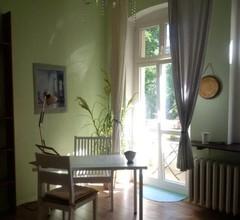 Helles ruhiges Privatzimmer mit Balkon - 15 Minuten zum Alexanderplatz 1