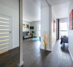 Centre Point Ilumino Apartment 1