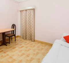 OYO 28627 Royal Guest House 2