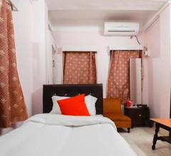 OYO 28627 Royal Guest House 1