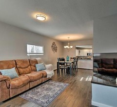 Modern Apartment - 5 Mi from Downtown Denver! 2