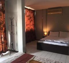 Parfun Guesthouse & Bar 2