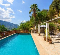 Fornalutx Villa Sleeps 5 with Pool and Air Con 2