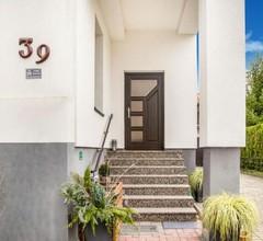 Simplistic Apartment in Neukieritzsch with Garden 2