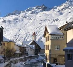 Alpine Haus 1