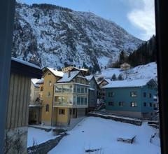 Alpine Haus 2