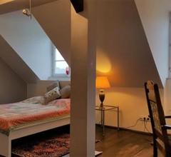 Voll ausgestattetes Penthouse-Zimmer mit Bad 1