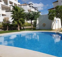 6 + 2-bed apartment with pool and terrace 2