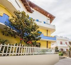 Cosy Holiday Home in Barcellona Pozzo di Gotto with Balcony 2