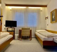 LILTON Hotel Zuffenhausen 1