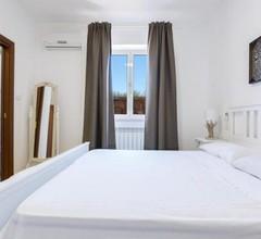 Monte Gallo-San Barbato Villa Sleeps 10 with Pool and Air Con 1
