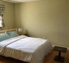 Master bedroom, Washroom inside. Near Maple High School 1