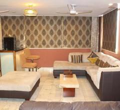 Service Apartments, Park Street, Calcutta 1