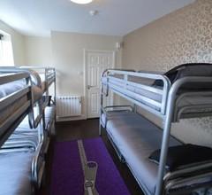 Oscar's Hostel 2
