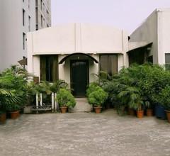 Asia Pacific Hotel 1