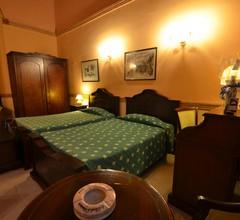 Hotel Conde de Villanueva 2