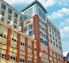 Hilton Garden Inn Philadelphia Center City 2