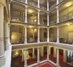 Grand Hotel Majestic 1