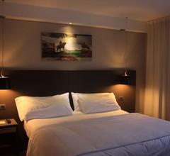 Axsur Design Hotel 1