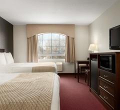 Days Inn & Suites by Wyndham Brandon 2