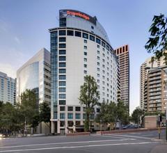 Travelodge Hotel Sydney 2