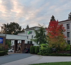 Holiday Inn Express & Suites Surrey 2