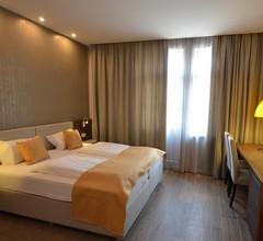 Hotel Emonec 2