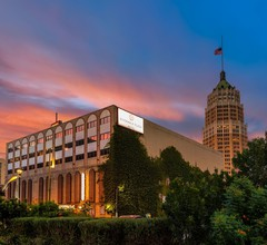 Riverwalk Plaza Hotel 1