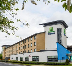 Holiday Inn Express Glasgow Airport 1