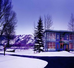Aspen Meadows Resort 2