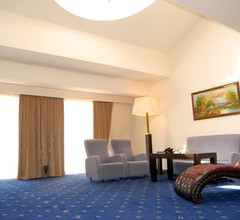 Regineh Hotel 1