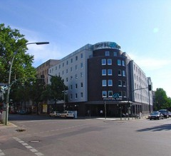 Motel One Berlin Bellevue 1