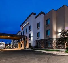 Best Western PLUS Airport Inn & Suites 1