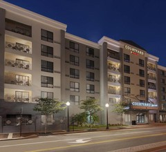 Courtyard By Marriott Tampa Downtown 2