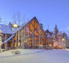 Bear Creek Lodge 1