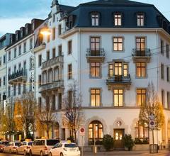 Gaia Hotel 1