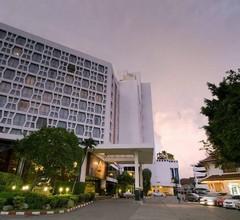 Montien Hotel Surawong Bangkok 2