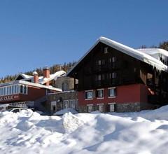 Alpen Village 1
