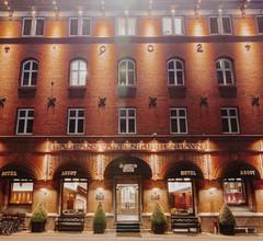 Ascot Hotel 2