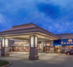 Ramada Hotel & Conference Center by Wyndham Kelowna 1
