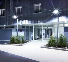 Kyriad Prestige Vannes Centre-Palais des Arts 1
